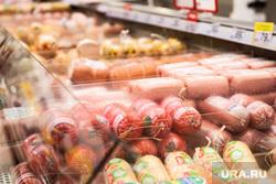 Противоэпидемические меры, предпринимаемые торгово-развлекательными центрами Екатеринбурга, колбаса, гастроном, гипермаркет, колбасы, колбасные изделия, магазин, прилавок, продуктовый магазин