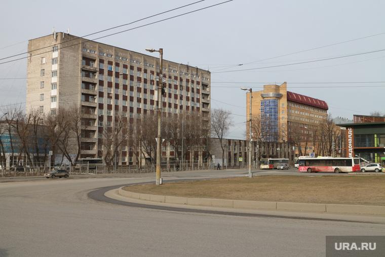 Городской траффик во время нерабочих дней точки съемки понедельник Пермь