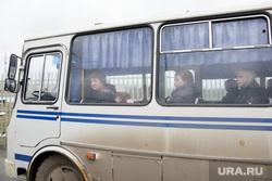 Пропускной пункт завода «Искра-Авигаз». Пермь, автобус, пассажиры