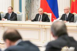 Встреча Владимира Путина с рабочей группой по внесению поправок в Конституцию РФ. Москва, путин владимир, вайно антон