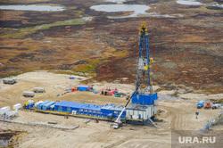 Природа Ямало-Ненецкого автономного округа, север, тундра, арктика, добыча нефти, нефтяная вышка, ямал, природа ямала, природные ресурсы, вид сверху, осень, экология, с квадрокоптера, куст нефтегазовый