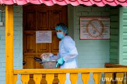 Челябинский областной реабилитационный центр, куда поместили на карантин прилетевших из Тайланда. Челябинск, медик, эпидемия, защитная одежда, врач, обсервация