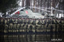 Памятные мероприятия в Пскове ко дню 20-ти летия подвига 6 роты 104 гвардейского парашютно-десантного полка. Псков, вертолет, вдв, десантники, десант, армия, военные, солдаты, плац, военнослужащие, строй