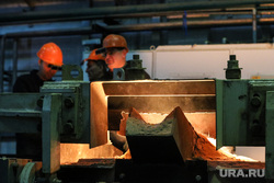Открытие литейного цеха на Курганском арматурном заводе. Курган, печь, литейный цех, курганский арматурный завод, ковш с металлом, масса с металлом