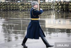 Памятные мероприятия в Пскове ко дню 20-ти летия подвига 6 роты 104 гвардейского парашютно-десантного полка. Псков, вдв, десантники, десант, армия, военные, солдаты, марш, плац, военнослужащие, почетный караул, линейный, парад, строй, направляющий, смотр строя
