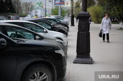 Обстановка с парковочными местами в городе во время карантина. Тюмень, автомобили, парковка