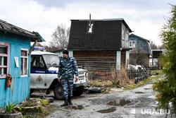 Место антитеррористической операции в Екатеринбурге,  где уничтожили трёх террористов. Екатеринбург, росгвардия, контртеррористическая операция, полицейское оцепление, омон, кто