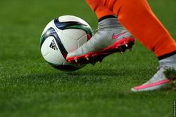 Открытая лицензия от 27.07.2016 Футбольный мяч, мяч, футбол, бутсы, нога, футбольный мяч