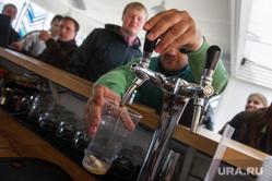 Рейд Дмитрия Чукреева по продаже алкоголя на летних верандах. Екатринбург, пиво, разливное