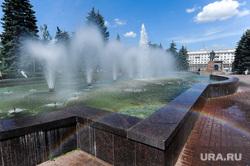 Городские клумбы. Челябинск, радуга, городской фонтан