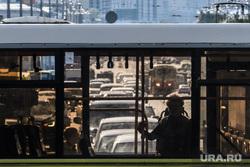 Виды Екатеринбурга, пробка, общественный транспорт, пассажир в автобусе, автомобили