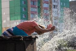 Строительство школы в 145 микрорайоне. Магнитогорск, брызги, лето, жара, жара, дети, фонтан, вода