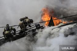 Пожар в историческом здании по ул. Дзержинского 34. Тюмень, дым, пожар, пожарные