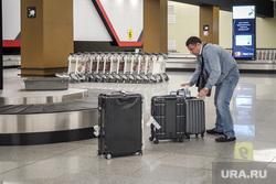 Зал ожидания аэропорта «Кольцово». Екатеринбург, аэропорт, чемоданы, ожидание, багаж, зал прилета, погрузка, выдача багажа, шереметьево, багажное отделение, пассажиры, туристы, транспортер, туризм, терминал B, транспортная лента, терминал б
