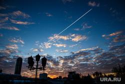 Утро в Екатеринбурге. Рассветное небо и метро