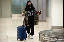 Ситуация в аэропорту Кольцово в связи с эпидемией коронавируса в Китае. Екатеринбург, аэропорт кольцово, аэропорт, китайцы, медицинская маска, коронавирус