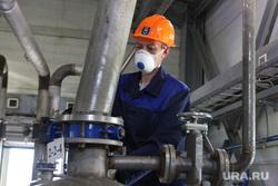 Пресс-тур на промышленное освоение Хохловского месторождения урана. Шумихинский район, далур, добыча урана, рабочий в спецовке