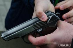 Празднование Дня защиты детей в Историческом сквере. Екатеринбург, табельное оружие, пистолет макарова, огнестрельное оружие