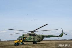 Тренировка десантников-пожарных. Свердловская область, поселок Заря, вертолет, ми-8, ми8, ми 8, авиационная охрана лесов, десантник-пожарный, десантник пожарный