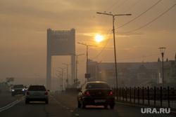 Салехард затянуло дымом от лесных пожаров. Салехард, мост, город салехард, дым, смог, гарь, факел