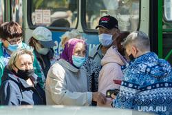 Клипарт. Магнитогорск, очередь , кондуктор, сад, автобус, медицинская маска, пенсионеры, защитные маски