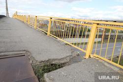 Аварийное состояние Некрасовского моста. Курган, мост, трещина в асфальте, некрасовский мост