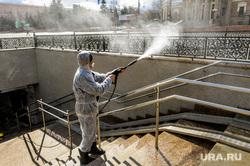 Санитарная обработка подземного перехода. Челябинск, эпидемия, дезинфекция, карантин, санитарная обработка, коронавирус