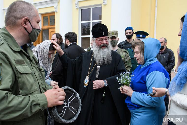 Встреча митрополита Кирилла и прихожан схиигумена Сергия (Романова). Екатеринбург