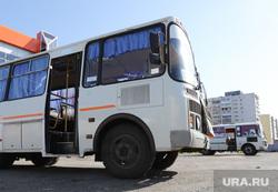 Автобусный вокзал и виды города. Курган, автовокзал, пассажиры, автобусная остановка, автобус, общественный транспорт, автобусный вокзал