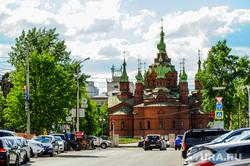 Весна в городе. Обстановка на улицах во время эпидемии коронавируса. Челябинск, храм александра невского, цветение, весна