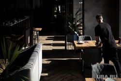 Летняя веранда на крыше ресторана Kitchen. Екатеринбург, официант, кафе, интерьер, ресторан, ресторан kitchen