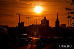 Виды Екатеринбурга, дорожное движение, город екатеринбург, закат, солнце, вечер