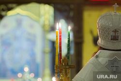 Ночное пасхальное богослужение в Кафедральном соборе. Магнитогорск, церковные свечи, церковь