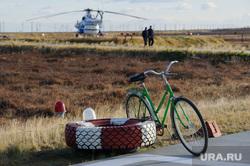 Поселок Тазовский, Новый Уренгой, Ямало-Ненецкий автономный округ, вертолет, велосипед