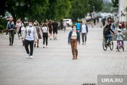 Екатеринбург во время пандемии коронавируса , эпидемия, люди в масках, екатеринбург , плотинка, пандемия, covid-19, коронавирус, режим самоизоляции