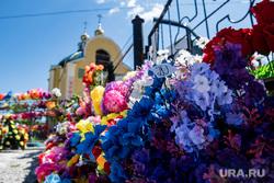 Похороны Владимира Таушанкова на Лесном кладбище. Екатеринбург, отпевание, церковь, смерть, цветы, похороны, кладбище, отпевание в храме, смертность
