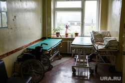 ГБУЗ СО Городская больница №1. Нижний Тагил, каталка, медицина, здравоохранение, больница, инвалидное кресло