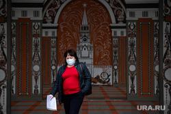 Екатеринбург во время пандемии коронавируса COVID-19, медицинская маска, защитная маска, екатеринбург , здание администрации города, маска на лицо, масочный режим, covid19, коронавирус, пандемия коронавируса, мэрия екатеринбурга