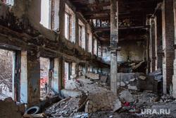 Пожар в заброшенной больнице в Зеленой роще. Екатеринбург, пожарище, заброшенная больница, больница, разруха, бсмп-1
