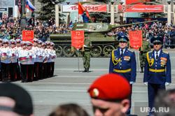 Парад Победы, торжественное построение на Площади революции. Челябинск, т34, парад военной техники
