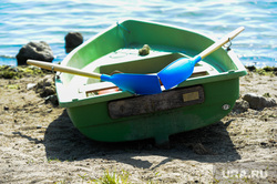 «Путинский» пляж на озере Смолино. Челябинск, берег, весла, лодка