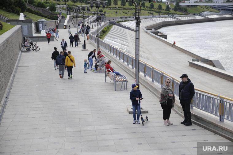 Открытие городских парков после ослабления карантина. Тюмень
