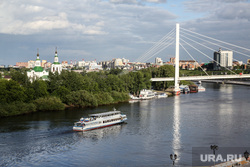 Виды города . Тюмень, город тюмень, мост влюбленных, теплоход