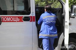 Территория БСМП. Курган, скорая помощь, фельдшер, машина скорой помощи