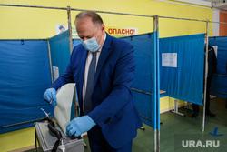 Голосование на УИК №1702 и №1703. Екатеринбург, цуканов николай, голосование, избирательный участок1702