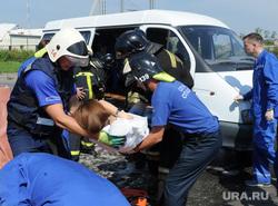 Тактико-специальные учения Скорой помощи по спасению пострадавших в ДТП. Челябинск, оказание помощи, учения при дтп, спасение пострадавших в дтп, эвакуация раненных в дтп