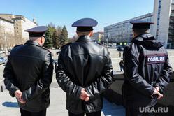 Шествие сторонников Навального. Челябинск, офицеры, полиция
