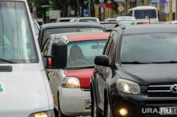 Праворульные автомобили. Старые японские автомобили. Челябинск, правый руль, водитель автомобиля, праворульные автомобили, японские авто