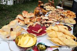 День России Курганская обл. с Альменево, выпечка, сладости, накрытый стол, угощение