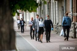 Екатеринбург во время пандемии коронавируса , медицинская маска, защитная маска, маска на лицо, пандемия коронавируса
